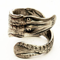 Unique Alligator Souvenir Sterling Silver Spoon Ring, Handcrafted in Your Size (3572)