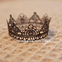 Newborn Crown Belia in Brown Photo posing prop by cioco on Etsy