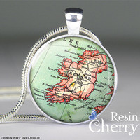 vintage Ireland map pendant charm,Ireland map jewelry,resin pendant,map necklace- M4101CP