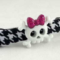 Black and White Skull Hair Clip by theotherstacey on Etsy