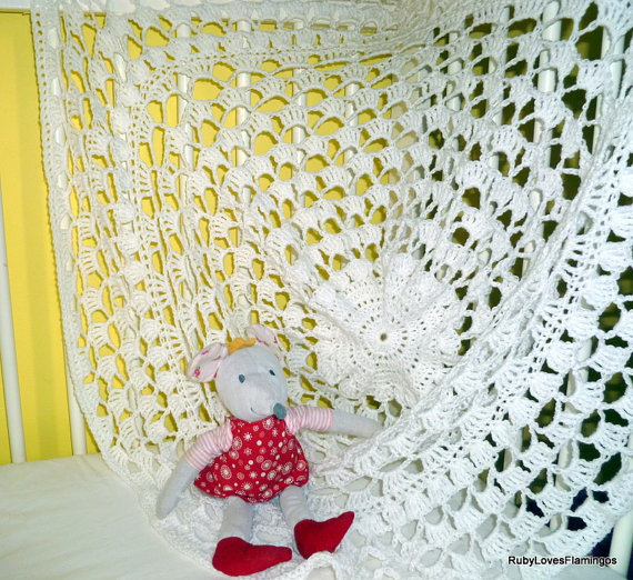 White Crochet Circular Baby Shawl Vintage by RubyLovesFlamingos