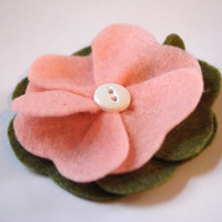 Felt Flower Hair Clip in Pink and Green with by PosiesandPetals
