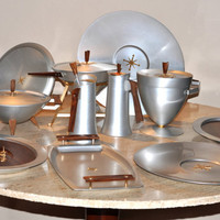 11 Piece Mirro Medallion Aluminum Atomic Serving Set