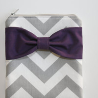 iPad Cover / Tablet Sleeve - Gray and White Chevron Stripes with Dark Purple Bow - Padded