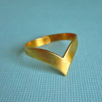 Thorn Vintage Brass Chevron Ring | Eclectic Eccentricity Vintage Jewellery