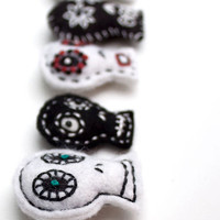 5 Mini Skull Garland Mexican Folk Art by RawBoneStudio on Etsy