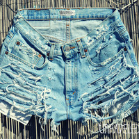 High Waisted Levis (MEDIUM)
