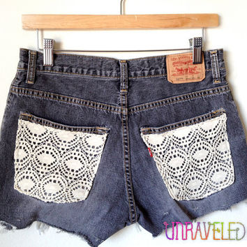 Black Levis Denim Shorts (SMALL to MEDIUM) // 2020