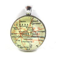 Vintage Map Pendant of Sioux Falls, South Dakota, Glass Tile Circle