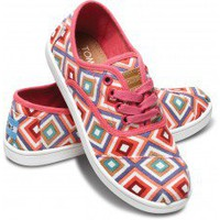 Pink Village Geo Youth Cordones | TOMS.com