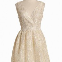 Daylight Minuet Lace Dress