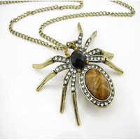 Spider necklace by fenasd99321 on Etsy