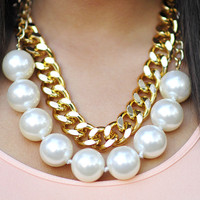 Perfectly Preppy Necklace: Pearl/Gold | Hope's