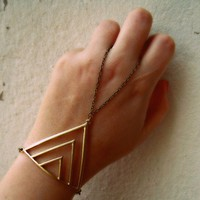 triangle slave bracelet, bracelet ring, slave ring, body chain, chevro