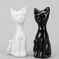 Cat Salt And Pepper Shaker - Set Of 2