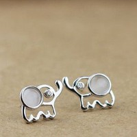BlueBand — Sterling Silver Lovely Elephant Stud