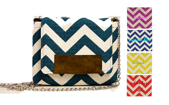 The MAROL Cross body in teal and cream chevron