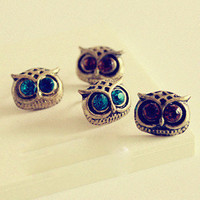 Hot sales pretty retro Silvery owl head with blue crystals eyes stud earrings