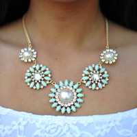Keep It Classy Necklace: Seafoam | Hope&#x27;s