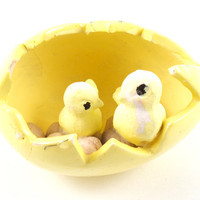 Vintage Easter Egg with Baby Chicks and Eggs Yellow Holiday Decor