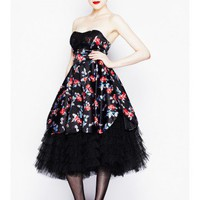LADIES CLOTHING : Dark Lady Dress