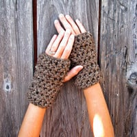 Lamb's Wool Collection - Plush Chunky Wool Fingerless Gloves In Barley - Unisex