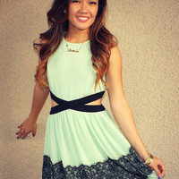 Side Cutout &#x27;Ashley&#x27; Dress (Mint)
