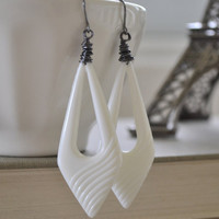 White Lucite Earrings, Hipster Vintage Triangle, Gunmetal Wire Wrapped Earrings, Retro White Earrings