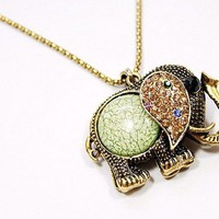 Lovely Vintage Rhinestone Elephant Necklace