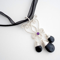 Pendant / Necklace wire wrapped Silver with Black Onyx, Agate briolettes and Amethyst.