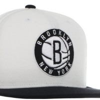 Amazon.com: NBA Brooklyn Nets Authentic On-Court Adjustable Snapback Hat, One Size: Sports & Outdoors
