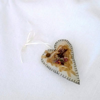 Victorian Lady Heart Shape Sachet Pink Sugar Scent Olive Gold