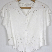 Vintage 70s Crochet Lace cutout embroidered Boho Top Blouse. Cotton. White.