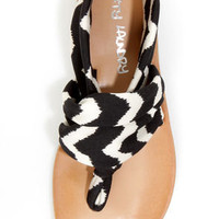 Dirty Laundry Beka 2 Black Zigzag Stretch Thong Sandals
