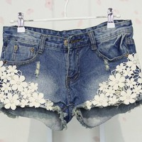 Lace with Floral Pattern Jeans Short Size M [3310]