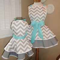 Mother and Daughter Matching Retro Apron Set in by mamamadison