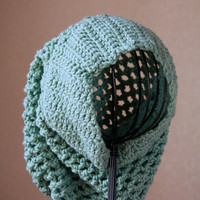 Very Slouchy Fishnet Beanie in Mint