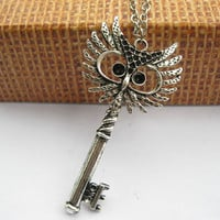necklace---antique silver owl key pendant & alloy chain