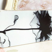 White Color Succinct Black Floral Pattern Case for iPhone4/4s [778]