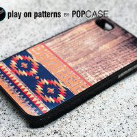 iPhone 4s case iPhone 4 case iPhone 4s cover iPhone 4 cover iPhone 4s skin iPhone 4 skin geometric Aztec pattern on wood