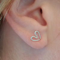 HEART Earring, Sterling Silver 925. SINGLE Stud Earring. Cartilage. Pierced ear cuff. Hypoallergenic.