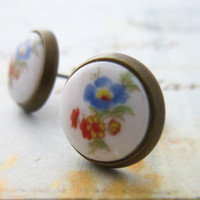 Vintage Japanese Porcelain Stud Flower Earrings 10mm