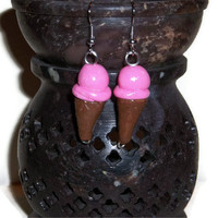 Strawberry Ice Cream Cone Earrings, Ice cream earrings, ice cream jewelry, polymer clay, Easter gift ideas, fake food