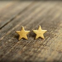 Small Star Earring Studs in Raw Brass Surgical by saffronandsaege