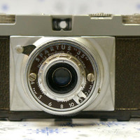 Vintage Spartus 35 Bakelite Film Camera  with by CanemahStudios