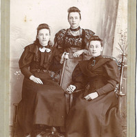 Vintage 1800&#x27;s or 1900&#x27;s Photograph, 3 Victorian Sisters Miss Torrence&#x27;s of the West, Cabinet Card