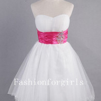 2013 Sweetheart Sleeveless Short/Mini White Prom Dresses from fashionforgirls