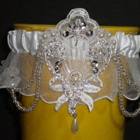 ELIZABETH's  Elegant Bridal Garter Set  2pcs by maycascollection