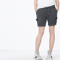 TEXTURED COTTON CARGO SHORT