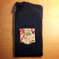 Floral Pocket Tee. Size Small